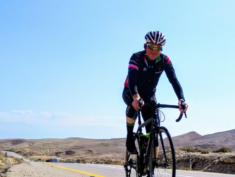 cyclists & triathletes can improve their performance through strength training & a structured training plan